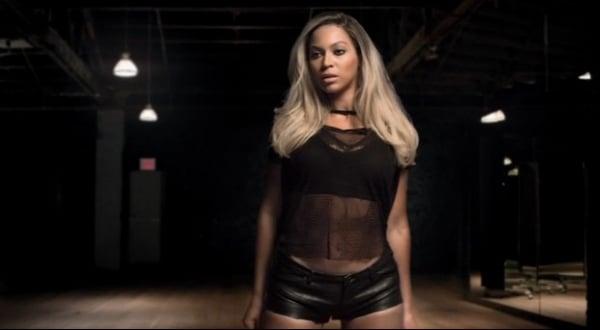 Mais loira, Beyoncé divulga vídeo para mostrar novo visual