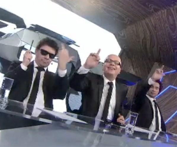 Integrantes do CQC se irritam com Schwarzenegger e fazem gesto feio