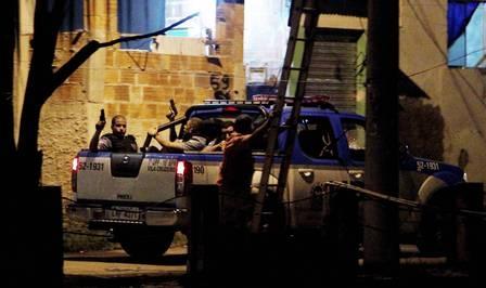 Um morador morre e outros dois ficam feridos após confronto com a polícia