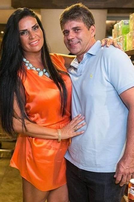 Ops! Namoro de Solange Gomes termina com barraco em restaurante