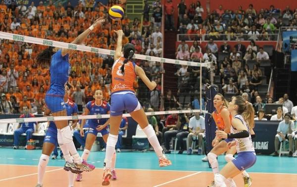 Com virada avassaladora, Rio vence Osasco e fatura o título de Superliga feminina no vôlei