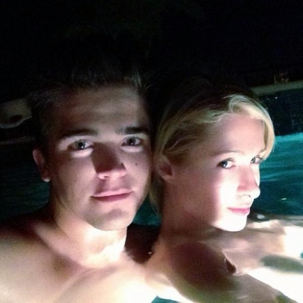 Paris Hilton tem noite