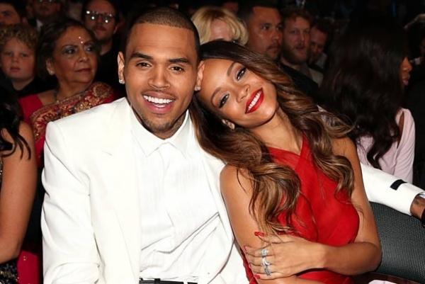 Rihanna compra Mercedes de R$ 2 milhões para aniversário de 24 anos de Chris Brown