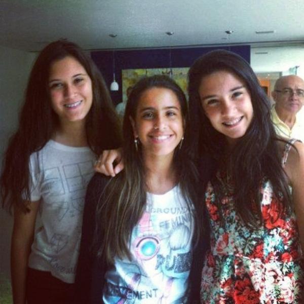 Amigas! Filha de Glória Pires posta foto com as filhas de Bonner