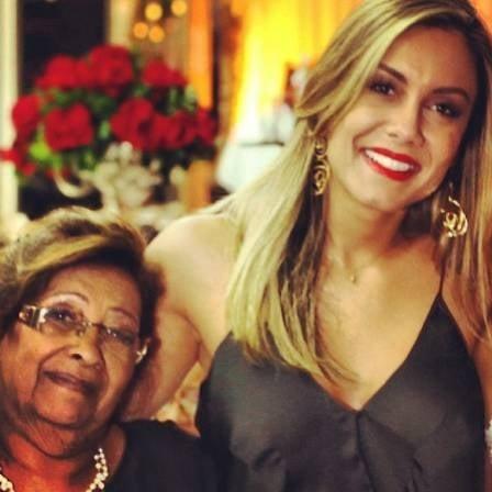 Redes sociais das celebridades ficam cheias de homenagens especiais ao Dia das Mães