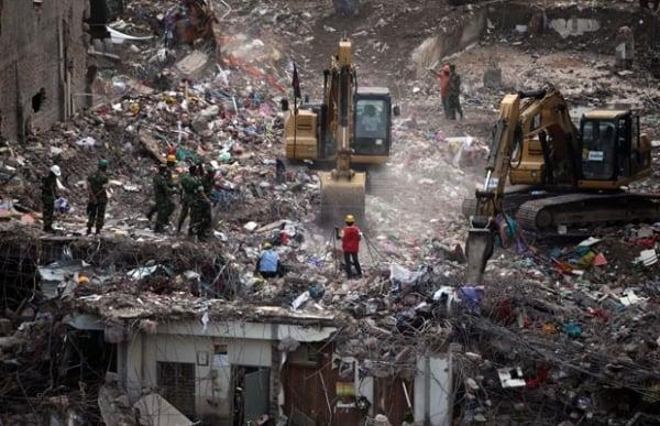 Bangladesh encerra  buscas em prédio que  desabou matando 1.127