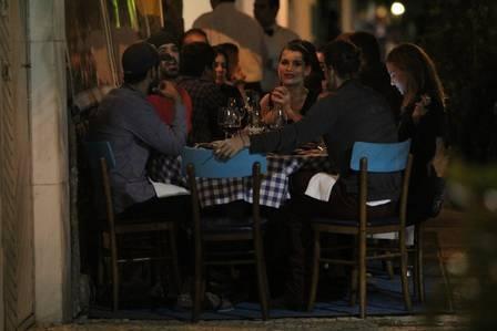 Garota-propaganda de cerveja, Alinne Moraes não gosta da bebida e só toma vinho