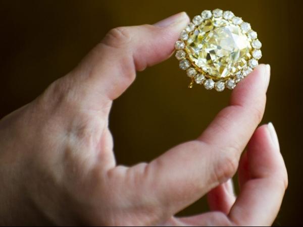 Diamante amarelo é vendido por valor recorde de quase US$ 3 milhões
