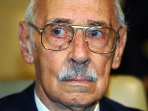 Ex-ditador argentino Jorge Videla morre na prisão aos 87 anos