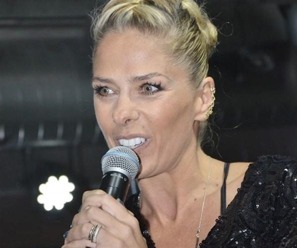 Confirmado: Adriane Galisteu não terá contrato renovado com a Band