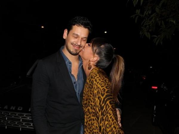 Sabrina Sato e namorado vão ao aniversário de Mirella Santos