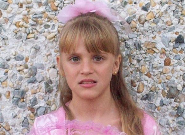 Casal pode pegar pena de morte por assassinar filha adotiva nos EUA
