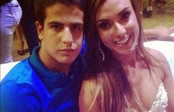 Nicole Bahls está se encontrando escondido com filho de Claudia Raia