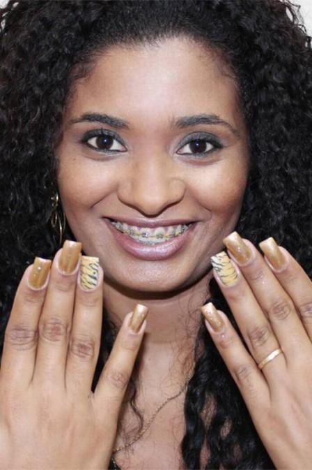 Estampa de bicho nas unhas fica mais fácil de fazer com tatuagem