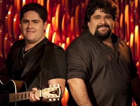 Villa Mix traz os maiores nomes do sertanejo; César Menotti e Fabiano tocam no evento dia 28  de Junho