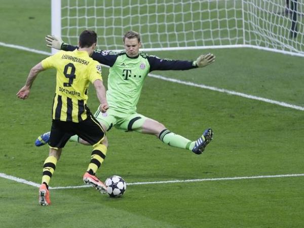 Campeão, técnico comete gafe e indica que Lewandowski jogará no Bayern