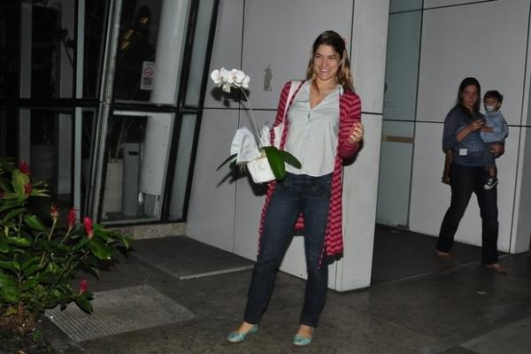 Samara Felippo dá à luz Lara, segunda filha da atriz com o jogador de basquete Leandrinho