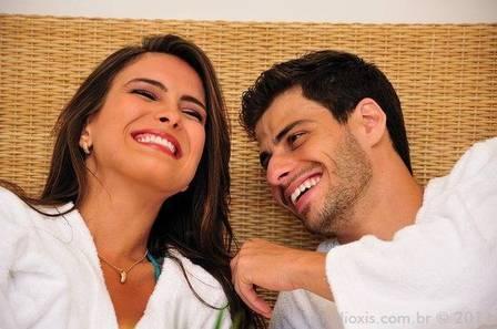 Ex-BBB Eliéser vai buscar colo da mãe depois de fim de namoro com Kamilla