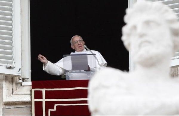 Papa pede que mafiosos parem de explorar pessoas e se arrependam