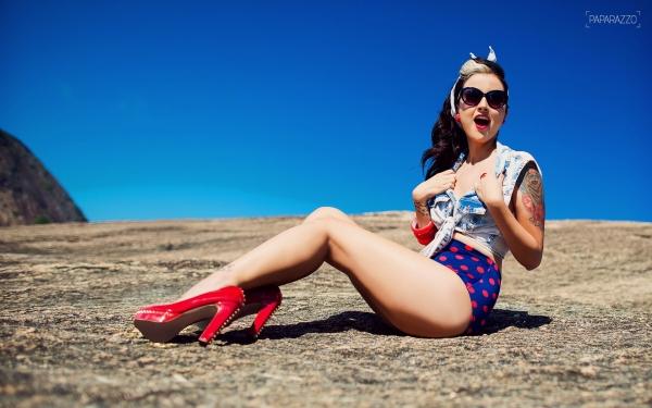 Paparazzo mostra todas 15 tattoos da sucessora de Bruna Surfistinha; fotos