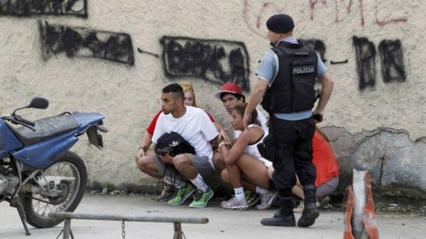 Tiroteio assusta público e atrasa largada do Desafio da Paz, no Complexo do Alemão