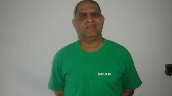 Deputado faz visita a pastor Marcos na prisão que é acusado de dois estupros