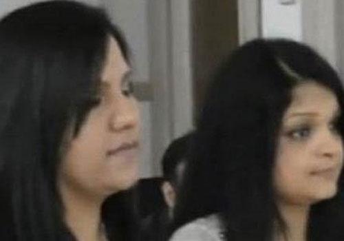 Após ameaças de morte, duas paquistanesas muçulmanas se casam