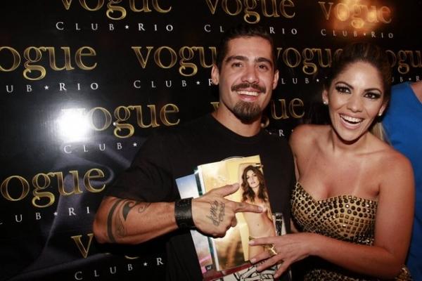 Anamara lança ensaio nu em festa com ex-BBBs, esconde foto com Yuri e diz