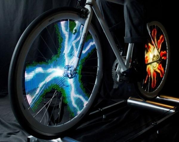 Ciclista poderá exibir imagens em LED nas rodas de nova bicicleta