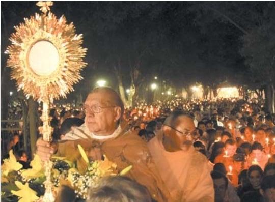 Missa de Corpus Christi reúne cerca de 5 mil fiéis em Teresina