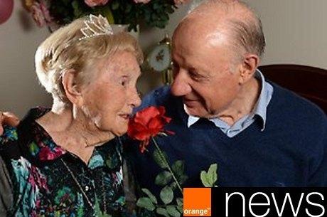 Vovó virgem de 106 anos encontra amor de sua vida em lar para idosos