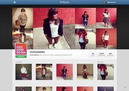 Mulher anã posta seus looks no Instagram e vira sucesso na internet