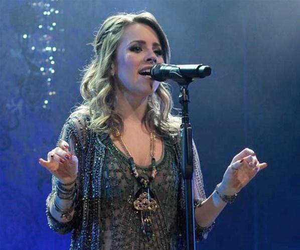 Durante apresentação, Sandy teria afirmado gravidez