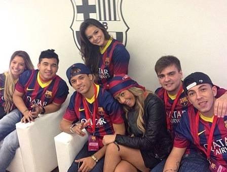 Por contrato, Barcelona vai bancar ida dos amigos de Neymar à cidade a cada dois meses
