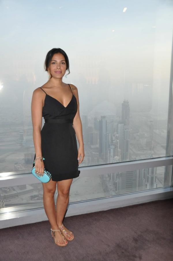 Gyselle Soares posa de biquíni em Dubai