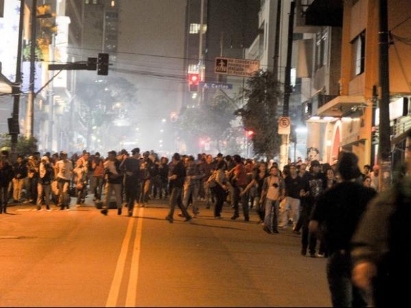 4º protesto contra tarifa em SP tem novo confronto e mais de 200 detidos