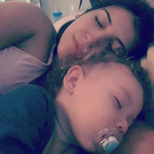 Priscila Pires chamega o filho: