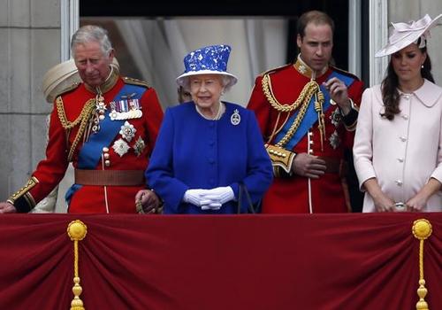Kate faz última aparição pública antes de dar à luz