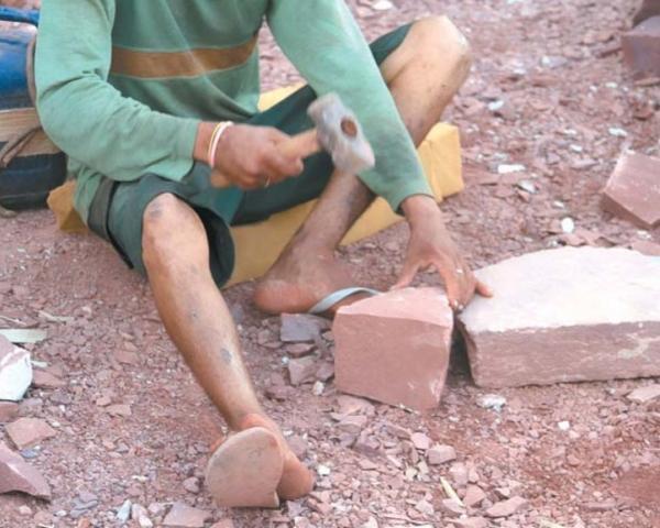Pedreiras dão sustento para muitas famílias em Timon