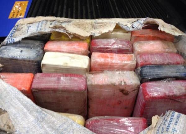 Pescadores fisgam pacote com 25 kg de cocaína na Flórida