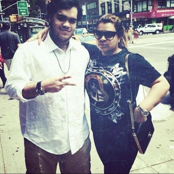 Preta Gil aparece em foto com o filho antes de cantar em Nova York