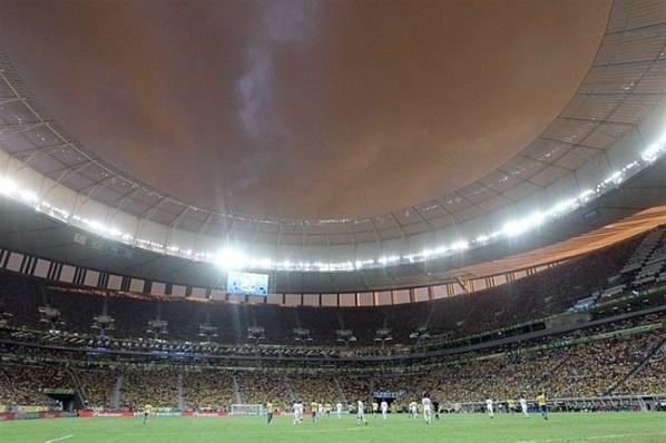 Para abafar críticas, Fifa torce para a seleção do Brasil ter bons resultados