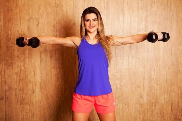 Mirella Santos perde 4kg e se despede do corpo trincado: