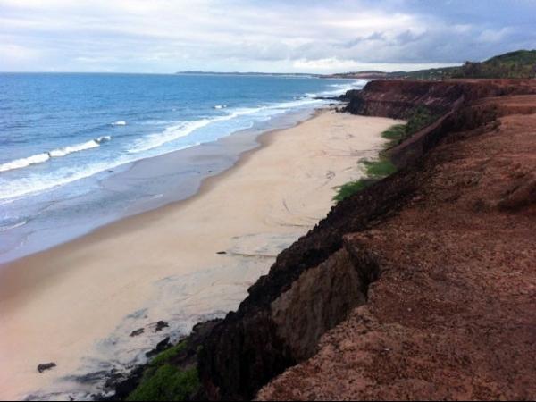 Retomadas as buscas por argentino levado por correnteza no litoral do RN