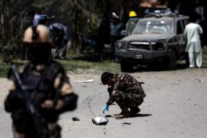 Atentado suicida contra líder político deixa 3 mortos e 20 feridos em Cabul