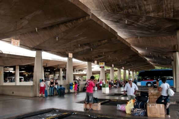 Terminal rodoviário de Teresina está precarizado e não causa boas impressões