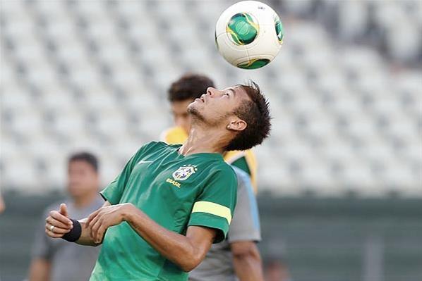 Brasil tem bom retrospecto contra o México, menos em Copa das Confederações