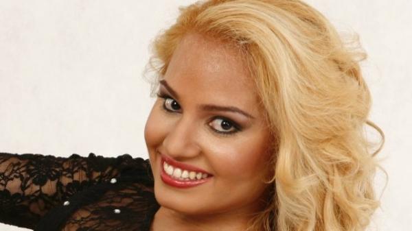 Filha de Joelma usa creme anti-idade aos 23 anos