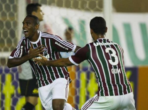 Com dois gols de zagueiro, Fluminense vence Criciúma por 3 a 0 em Macaé