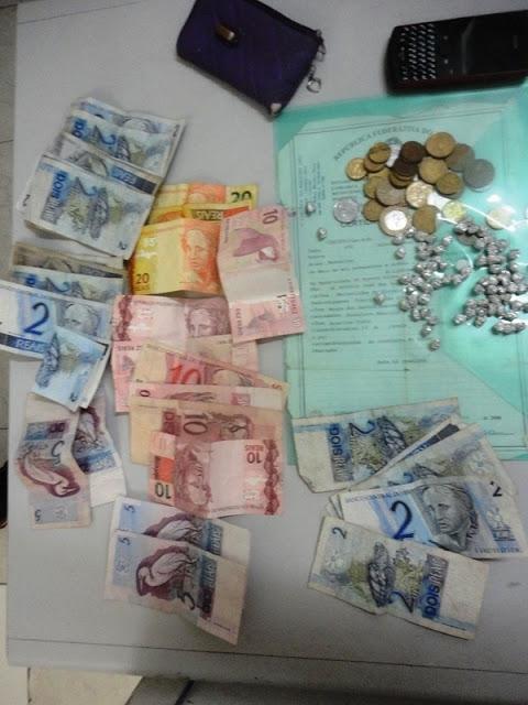 Jovem de 16 anos é preso com 76 pedras de crack em Parnaíba